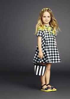 Outfits for Children's Fashion Day 2019 - 2020 - Trend Today : Your source for the latest trends, exclusives & Inspirations Fashion Kids, Little Girl Fashion, Fashion Check, Womens Fashion, Vestidos Dolce Gabbana, Little Girl Dresses, Girls Dresses, Summer Dresses, Dolce And Gabbana Kids