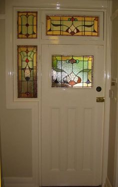 Love leadlight windows australian style pinterest for Californian bungalow front door