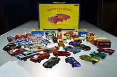 44 Lesney/Matchbox/Hot Wheels (4) Redline Vintage Vehicles 1965 Collector Case #LesneyMatchboxHotwheels