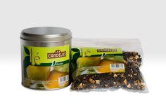 Gama de tes gourmet elaborados por Cafés Candelas a partir de ingredientes naturales y utilizamos mezclas originales. Dhanna: Té rojo pu-erh, cáscara de limón, trozos de canela, trozos de jengibre y aroma de limón.