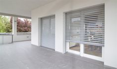 retractable external venetian blinds