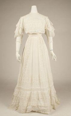 Dress  Date: 1904–5   Culture: American   Medium: cotton