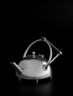 Christopher Dresser - Teapot made by James Dixon - 1879 - Provenance : Private collection, London, since 1966