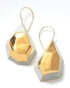 Lisette Coliijn, Earrings, 2012, gold, porcelain, gold luster