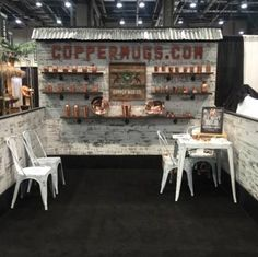 Rustic x Reclaimed Distressed Barnwood-Style Exhibit Trade Show Booth Gold Home Decor, Cheap Home Decor, Trade Show Booth Design, Trade Show Booths, Exhibit Design, Flea Market Booth, Craft Show Displays, Display Ideas, Store Displays