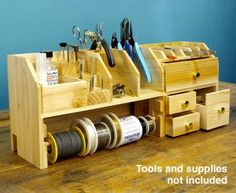 Perfect for small tools, wire, etc on the crafting table