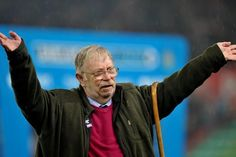Neil 'Nello' Baldwin was the guest of honour at the game.