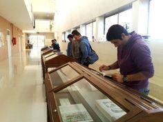 """Exposición bibliográfica """"Más que mil palabras"""" en el CEUM (2012) #exposiciones #libros #biblioteca #uex #ilustración"""