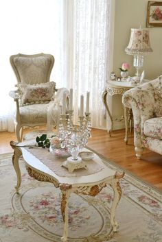 One of my favorite rooms....very much my style.