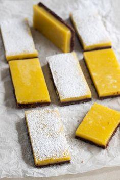 Choklad- och citronrutor | Brinken bakar Cornbread, Sweet, Ethnic Recipes, Food, Millet Bread, Candy, Eten, Meals, Corn Bread