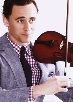 Tom Hiddleston. Melting. I am melting