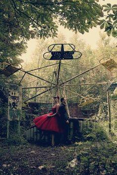 abandoned fairground wedding, engagement, or any occasion photoshoot. Awesome idea. Vintage, dark, fairy tale.