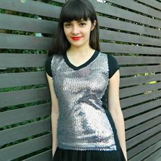 Free tutorial with pictures on how to make a sequinned top in under 120 minutes by not sewing with scissors, fabric, and shirt. How To posted by Mark Montano. in the Other section Difficulty: Easy. Diy Fashion, Fashion Design, Fashion Tips, Fashion Trends, Sequin Shirt, T Shirt Diy, Refashion, Dance Wear, Diy Tutorial