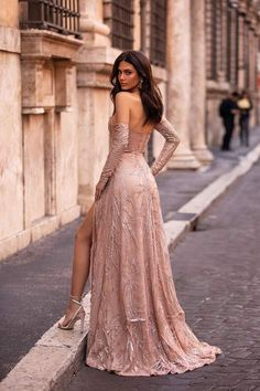 Rose Gold Formal/Prom Gown - Alamour The Label Gold Formal Dress, Gold Prom Dresses, Gala Dresses, Prom Party Dresses, Evening Dresses, Formal Dresses, Formal Prom, Long Gown Elegant, Elegant Dresses For Women