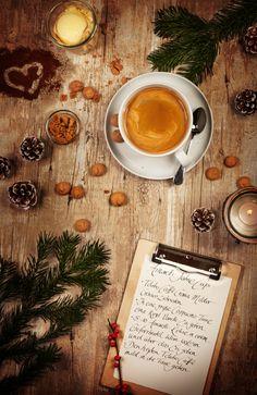 Voilà! Unser Tchibo Amaretti-Sahne-Cup für die kuschelige Weihnachtszeit. Könnt ihr ihn auch schmecken? ;-)