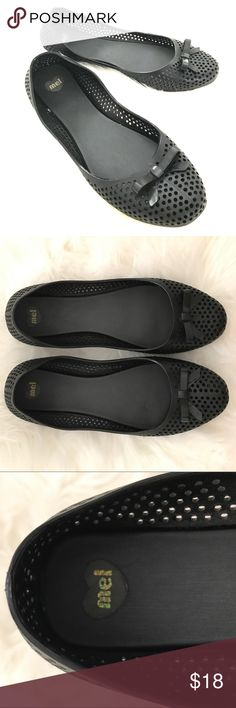 Like new black jellies ballet flats dress shoes 7 Like new - no signs of wear. Comfortable and breathable, and great for rainy days! Slightly too small for me, otherwise I'd keep loving them! Smoke/pet-free home. Mel by Melissa Shoes Flats & Loafers