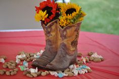 FRONTIER PARTY IDEAS | Cowboy Birthday Party Centerpiece