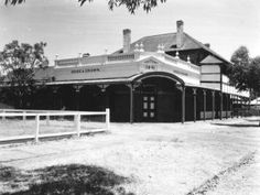 Rose and Crown Hotel, Guildford Perth Western Australia, Haunted Places, The Incredibles, Mansions, Facades, History, House Styles, Childhood, Crown