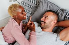 Diverse young couple smiling and talking together while lying in their bed in the early morning Affirmation Examples, Words Of Affirmation, Julie Nguyen, Five Love Languages, Positive Phrases, More Words, Young Couples, Feeling Loved, Relationship Tips