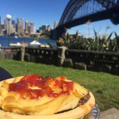 Australia Mate! #boganlife #bigcitylife #sydneyharbour #Sydney #sydneyharbourbridge #kirribilli #flakytartbakery #flakytart by kaylablanch90 http://ift.tt/1NRMbNv