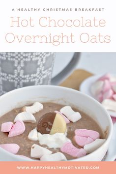 Hot Chocolate Overnight Oats - A healthy Christmas breakfast! Celebrate Christmas every day with these healthy overnight oats. Loaded up with marshmallows and chocolate chips, this healthy breakfast recipe is as close to a mug of hot chocolate as you'll get! Healthy Vegetarian Breakfast, Healthy Breakfast For Kids, Breakfast Recipes, Vegetarian Recipes, Healthy Meals For Kids, Healthy Snacks, Chocolate Chips, Hot Chocolate, Healthy Christmas Cookies