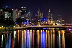 Melbourne Australia situated on the Yarra River. Melbourne House, Melbourne Travel, Kent Travel, Beautiful Landscapes, Beautiful Scenery, Australian Grand Prix, Winter Sun, Melbourne Australia, Solo Travel