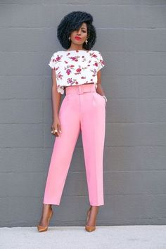 Floral Crop Top and Belted Pegged Trousers. Fashion Mode, Work Fashion, Fashion Pants, Modest Fashion, Fashion Dresses, Fashion Looks, Womens Fashion, Fashion Trends, Midi Dresses
