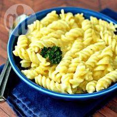 Macarrão com queijo cremoso na pressão @ allrecipes.com.br - Um macarrão rápido, fácil e cremoso que faço toda semana na minha casa!