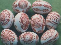 Eastern Eggs, Easter Egg Pattern, Egg Designs, Easter Tree, Egg Decorating, Polish, Projects, Wood, Bottles
