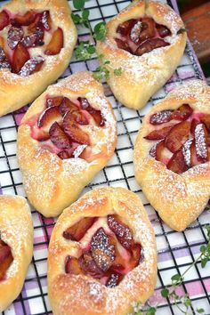Hot Dog Buns, Hot Dogs, Doughnut, Bread, Baking, Ethnic Recipes, Food, Cakes, Patisserie