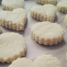 Préparation de petits gâteaux à la semoule saveur vanille ♥♡ #Miam #recette #homemade #algerie