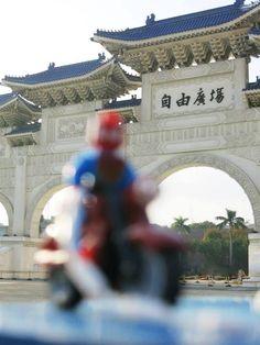 #Freedom #travel #taipel #taiwan #spiderman #lego #toyphotography #voyage #reise #viaggi