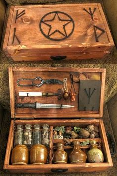 A beautiful portable or travel altar. Witches Altar: How To Do A Basic Altar Set Up. Larp, Magick, Witchcraft, Witches Brew, Real Witches, Witch Aesthetic, Kitchen Witch, Deviantart, Coven