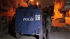 Başkentte terör operasyonu -                                               Başkentte terör örgütü PKK'ya eleman temin ettikleri belirlenen 3 kişi yakalandı.                       Alınan bilgiye göre, Ankara Emniyet Müdürlüğü Terörle Mücadele Şube Müdürlüğü ekipleri, istihbarat çalışmaları sonucu terör örgütü PKK üyelerine yön - #Başkent, #PKK, #Teror, #TerörOperasyonu - Tıklayın: http://po.st/EMsYIi