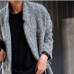 La settimana sta giungendo a termine ed il weekend è alle porte! Hai già pensato a cosa indossare? Lasciati ispirare dal nostro outfit di oggi, perfetto per un fine settimana all'insegna dello stile! L'intero look è disponibile nel nostro online shop H-Brands!