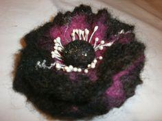 Hand Wool  Felt Brooch Poppy Felt Jewelry by FahionFeltProducts
