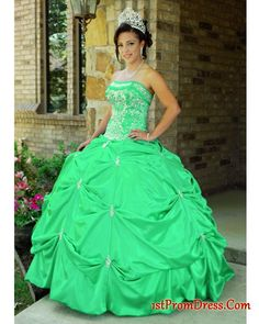 I would love this for a wedding dress!!!!