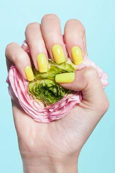 (Контрастный фон, яркий декор) unhas lindas, torcida, unhas perfeitas, u Spring Nail Art, Spring Makeup, Nail Designs Spring, Spring Nails, Winter Nails, Gel Manicure Nails, Manicure Colors, Fun Nails, Manicure Ideas
