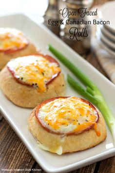 "These incredible open faced breakfast rolls feature Colby-jack cheese, Canadian bacon and eggs. They're terrific for a tasty breakfast on the run or ""brinner."" They're so easy the kids can help and the best part is no utensils required! Breakfast Items, Breakfast Dishes, Breakfast Recipes, Brunch Dishes, Breakfast Sandwiches, Canadian Bacon, Canadian Food, Frozen Dinner Rolls, Bacon Roll"