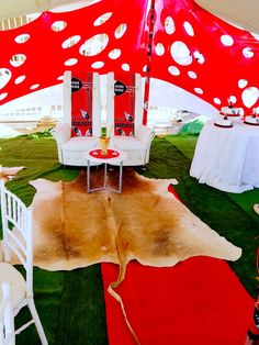 swati traditional wedding – – Yahoo Image Search Results – Gâteau Mariage African Traditional Wedding Dress, Traditional Wedding Decor, After Eight Torte, Zulu Wedding, Wedding Tent Decorations, Wedding Images, Wedding Ideas, Make Design, Event Decor