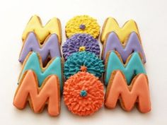 Make your mom sugar cookies like these for Mother's Day!