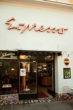 (26) Café Espresso | Vienna - great use of an unusual font to create a memorable logo | gastro inspiration | Pinterest