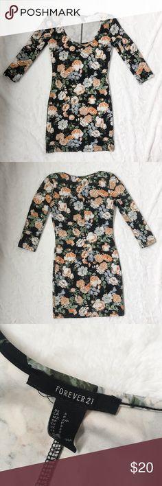 Forever 21 Floral Bodycon Dress Forever 21 Floral bodycon dress, size small Forever 21 Dresses Mini