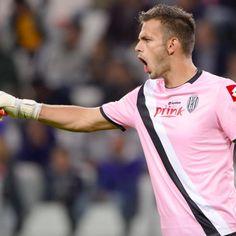 Juventus ufficiale: Leali ceduto all'Olympiakos È ufficiale: Nicola Leali passa dalla Juventus allOlympiakos. Trasferimento in prestito con diritto di riscatto e opzione di controriscatto per il giovane portiere italiano. #SerieA