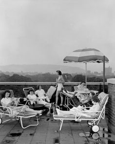 More #throwbackthursday for Nurses Week. UHS nursing students relaxing on the roof of Johnson Hall #tbt