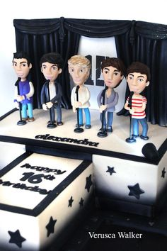 One Direction Cake by Verusca Walker. OMG —hahahaha! Wow! #OneDirection