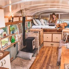 10 Wealthy Cool Ideas: Natural Home Decor Ideas Big Windows natural home decor bedroom bedside tables.Natural Home Decor Interior Design natural home decor boho chic living spaces.Natural Home Decor Earth Tones Colour Palettes. Travel Trailer Decor, Rv Travel Trailers, Cargo Trailers, Camper Trailers, Bus Living, Tiny House Living, Living Spaces, Living Room, Kombi Home