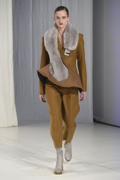 http://www.vogue.co.uk/shows/autumn-winter-2018-ready-to-wear/chalayan/collection