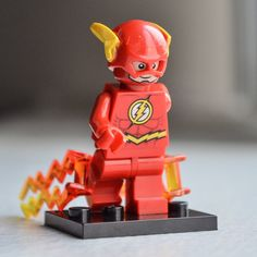 The Flash (DC superhero, Justice League) LEGO-style minifigure toy / rebuildable action figure / mini-figurine