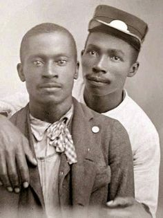Vintage photographs of gay and lesbian couples and their stories. Lgbt Couples, Cute Gay Couples, Vintage Couples, Vintage Men, Vintage Images, Retro Men, Vintage Pictures, Black Love, Black Men